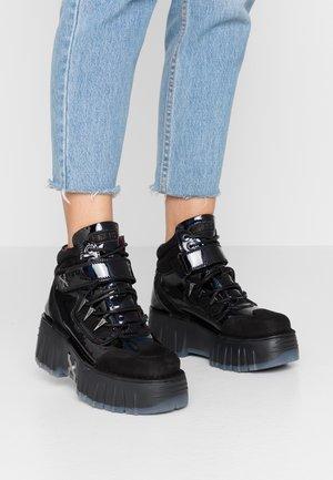 MOON WALKK - High-top trainers - black