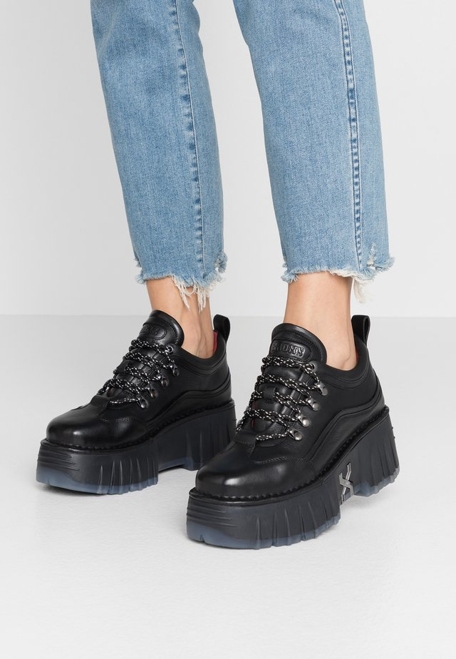 MOON WALKK - Sneakers - black