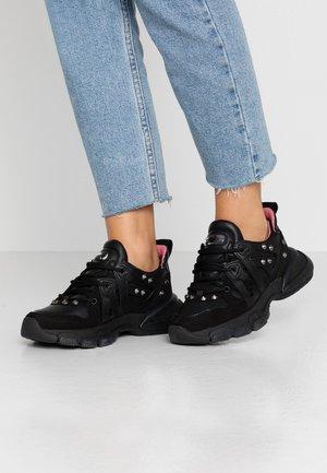 SEVENTY STREET - Sneaker low - black