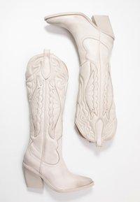 Bronx - NEW KOLE - High heeled boots - offwhite - 3