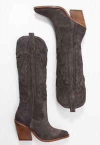 Bronx - NEW KOLE - Boots med høye hæler - asphalt - 3