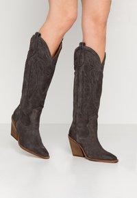 Bronx - NEW KOLE - Boots med høye hæler - asphalt - 0