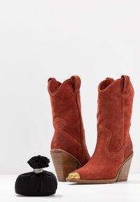 Bronx - NEW KOLE - High heeled boots - deep rust - 7