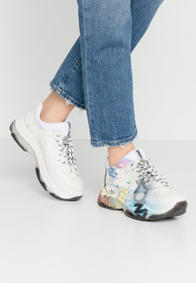 BAISLEY - Sneaker low - offwhite/multicolor