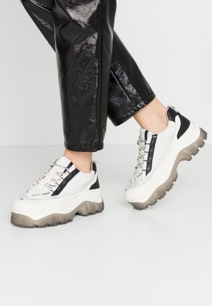 JAXSTAR - Trainers - offwhite/light grey/black