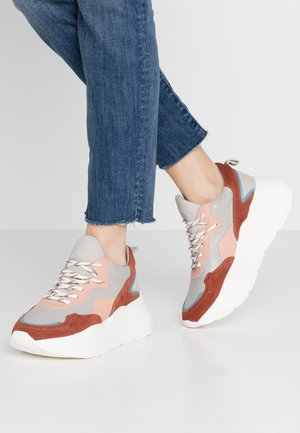 GRAYSON - Zapatillas - deep rust/grey/pink/blue