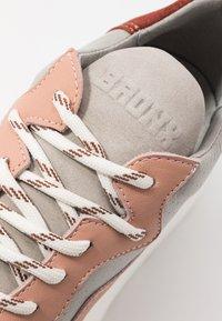 Bronx - GRAYSON - Zapatillas - deep rust/grey/pink/blue - 2