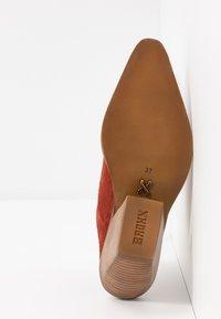 Bronx - KOLE - Pantofle na podpatku - deep rust - 6