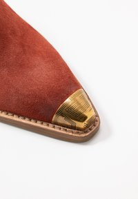 Bronx - KOLE - Pantofle na podpatku - deep rust - 2