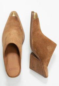 Bronx - KOLE - Pantofle na podpatku - cognac - 3