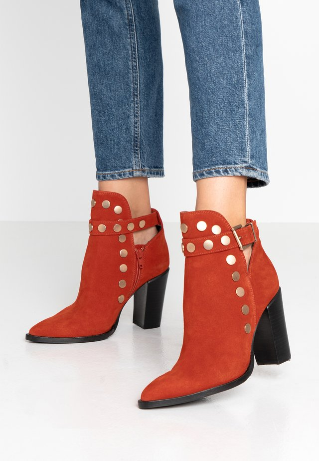 NEW-AMERICANA STUDS - High heeled ankle boots - rust