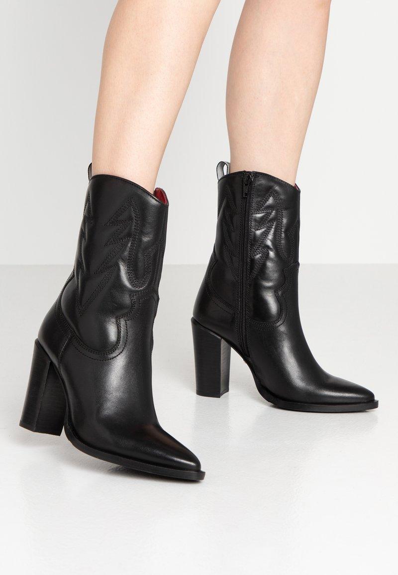 Bronx - High Heel Stiefelette - black