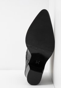 Bronx - NEW-AMERICANA LOW - Classic ankle boots - black - 6
