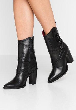NEW-AMERICANA BIKER - High Heel Stiefelette - black
