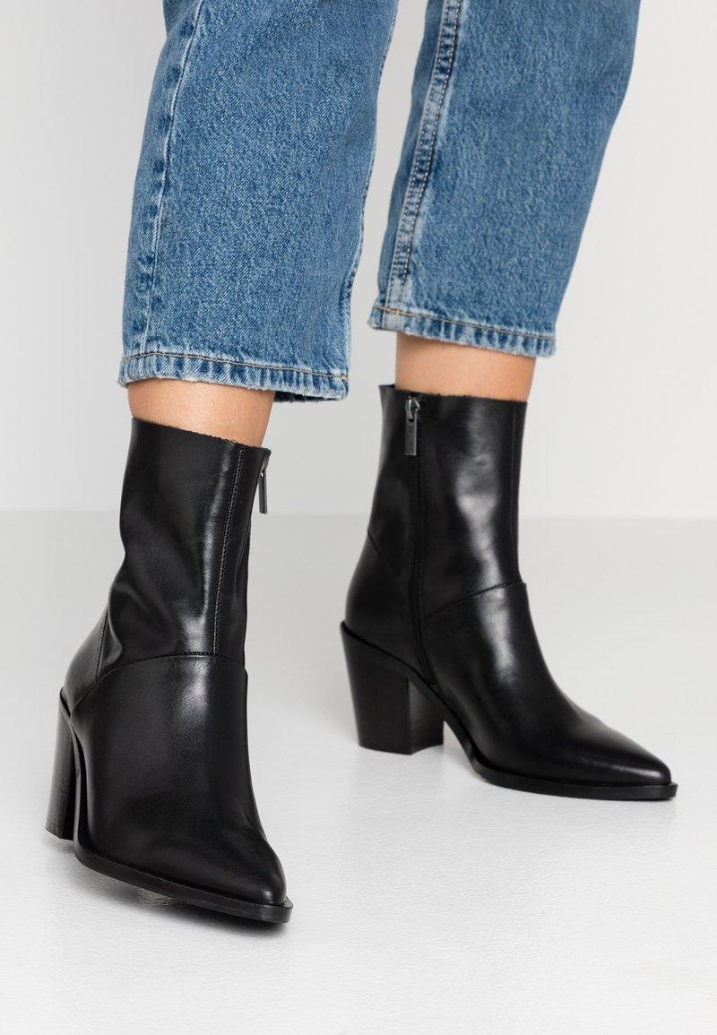 Bronx - Støvletter - black