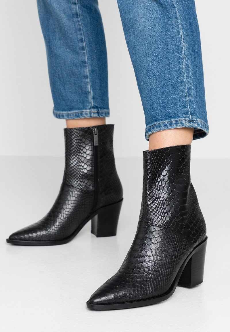 Bronx - NEW-AMERICANA LOW - Classic ankle boots - black