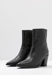 Bronx - NEW-AMERICANA LOW - Classic ankle boots - black - 4