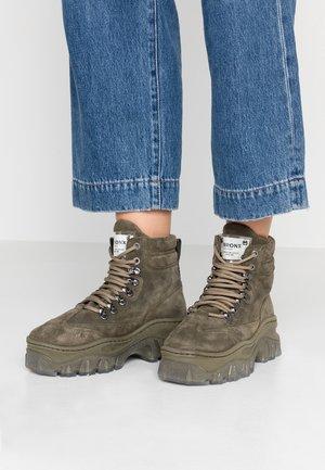 JAXSTAR - Korte laarzen - khaki