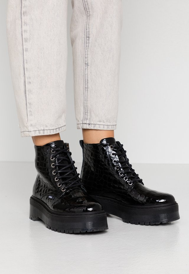 RIFKA SUPER CHUNKY - Ankle boots - black