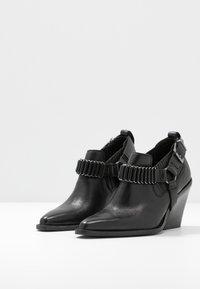 Bronx - NEW KOLE - High Heel Stiefelette - black - 4
