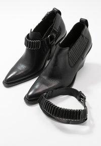 Bronx - NEW KOLE - High Heel Stiefelette - black - 7