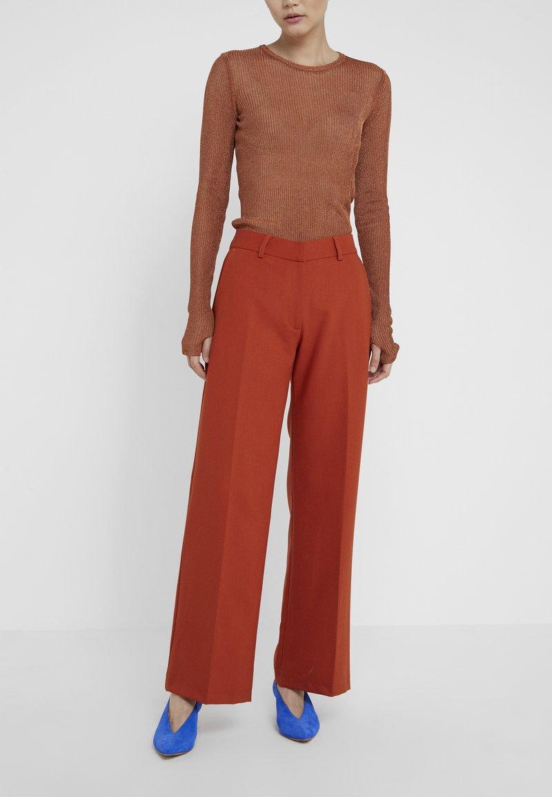 Bruuns Bazaar - CINDY MANELLA PANT - Tygbyxor - brown rust