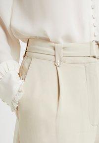 Bruuns Bazaar - ISOLDE DAGMAR PANT - Stoffhose - almond beige - 3