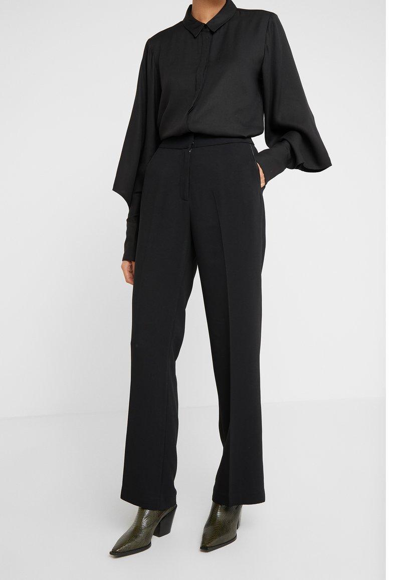 Bruuns Bazaar - VALOVA MANELLE PANT - Spodnie materiałowe - black