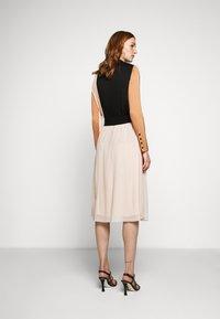 Bruuns Bazaar - THORA VIOLET SKIRT - Áčková sukně - creamy rosa - 2