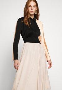 Bruuns Bazaar - THORA VIOLET SKIRT - Áčková sukně - creamy rosa - 3