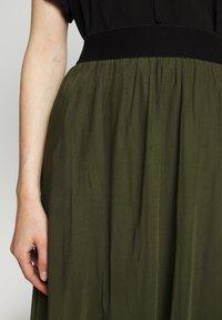 Bruuns Bazaar - THORA VIOLET SKIRT - Áčková sukně - olive green - 5