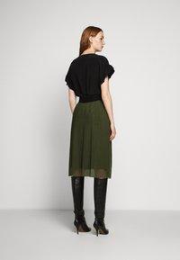 Bruuns Bazaar - THORA VIOLET SKIRT - Áčková sukně - olive green - 2