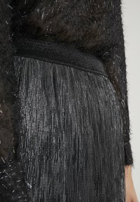 Bruuns Bazaar - METALLIC DARIANE CECILIE SKIRT - A-line skirt - dark silver - 4