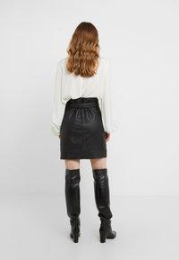 Bruuns Bazaar - PECAN LULLIE  - Kožená sukně - black - 2