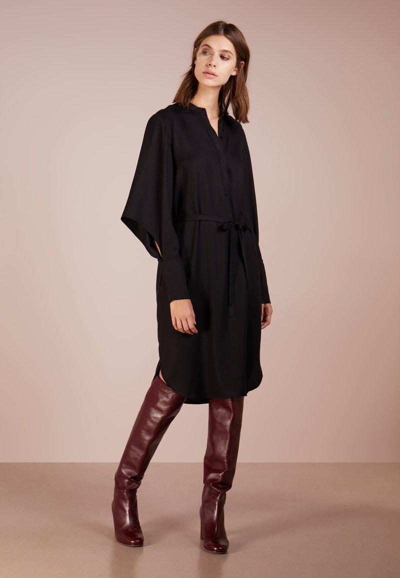Bruuns Bazaar - PRALENZA DRESS - Denní šaty - black