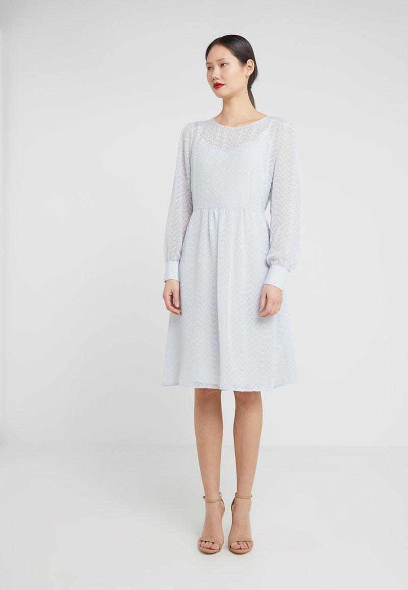 Bruuns Bazaar - ZOFIRA LUZIA DRESS - Robe d'été - pastel blue
