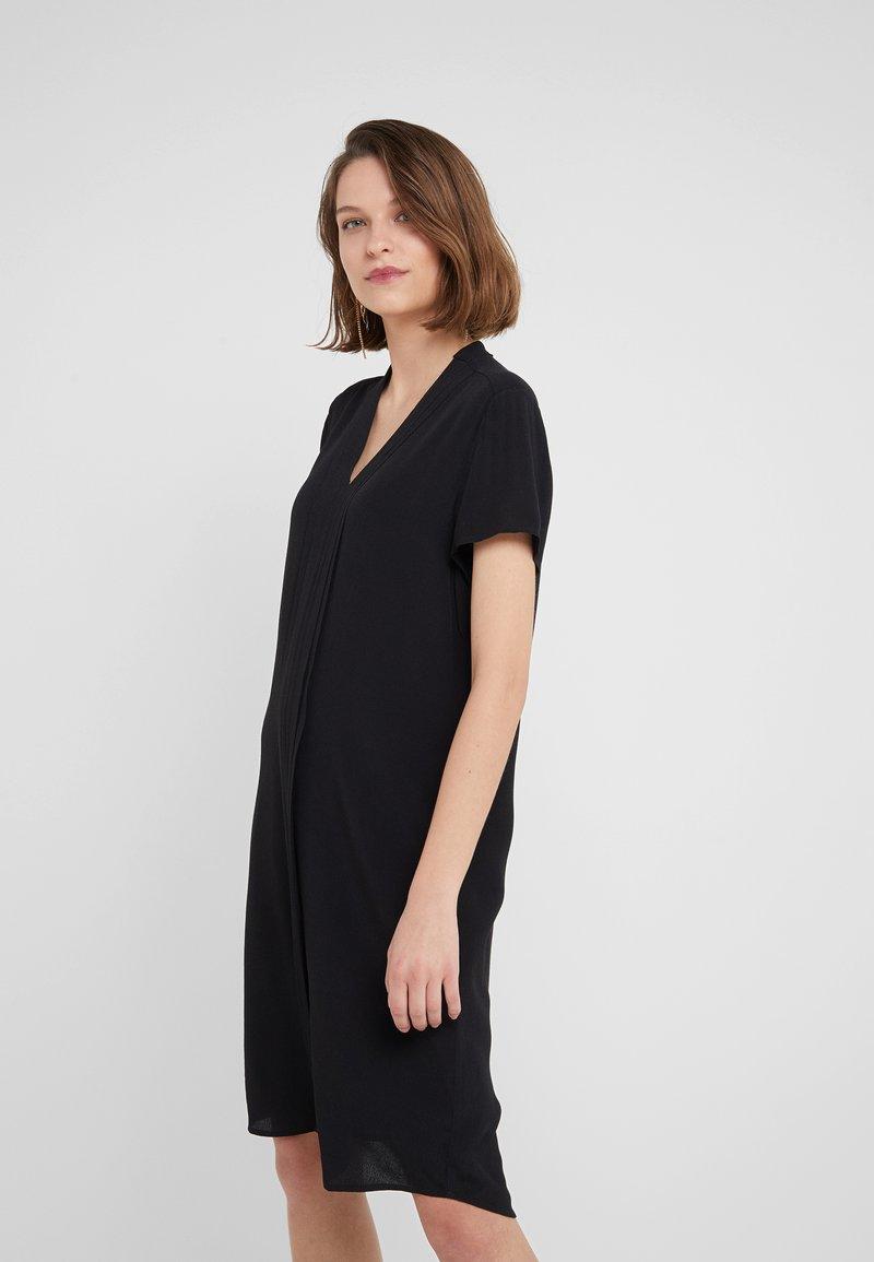 Bruuns Bazaar - LILLI KENRY DRESS - Freizeitkleid - black