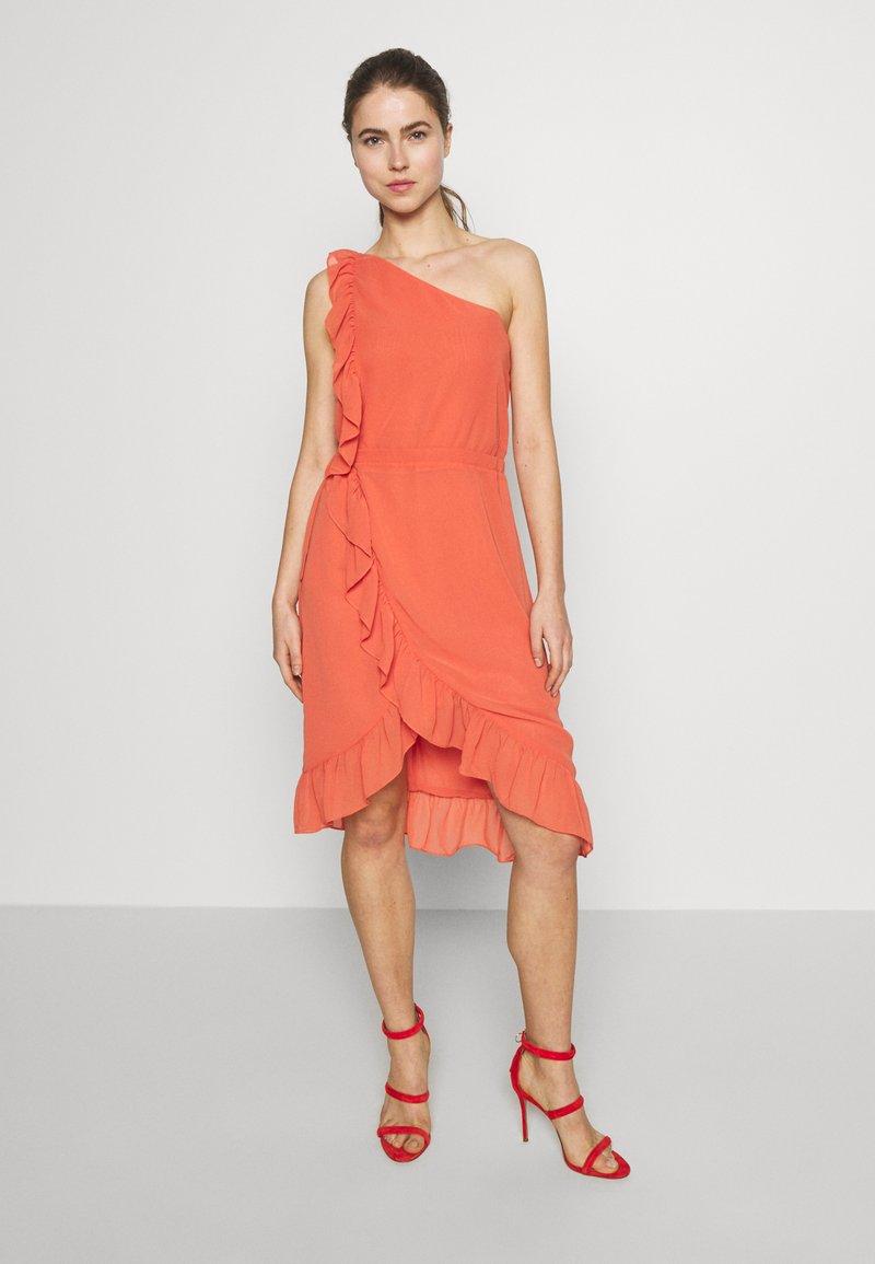 Bruuns Bazaar - ROSALINA KENDRA DRESS - Juhlamekko - poppy red