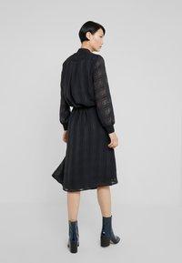 Bruuns Bazaar - FREYA ELIN DRESS - Skjortklänning - black - 2