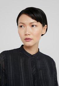 Bruuns Bazaar - FREYA ELIN DRESS - Skjortklänning - black - 4