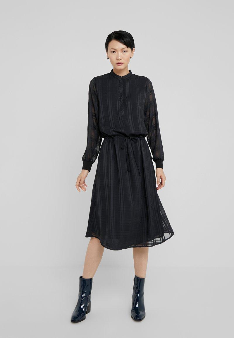 Bruuns Bazaar - FREYA ELIN DRESS - Skjortklänning - black