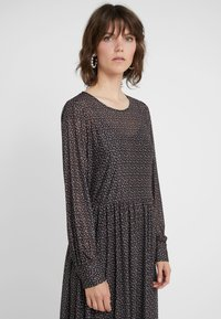 Bruuns Bazaar - EASE NATALI DRESS - Jerseyklänning - black ease artwork - 4