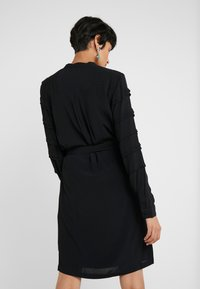 Bruuns Bazaar - LILLI VICHY DRESS - Kjole - black - 2