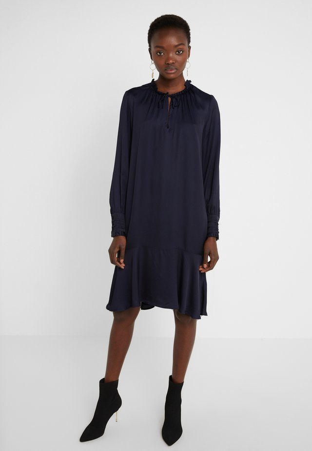 BAUME ESTE DRESS - Juhlamekko - dark navy