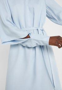 Bruuns Bazaar - PRALENZA EZRA DRESS - Skjortekjole - blue mist - 4
