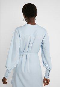 Bruuns Bazaar - PRALENZA EZRA DRESS - Skjortekjole - blue mist - 6