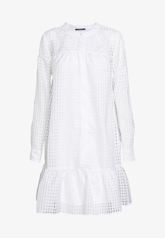 SANTONIA DRESS - Sukienka koszulowa - snow white