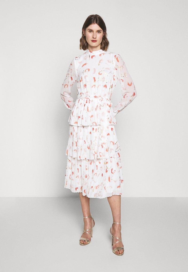 Bruuns Bazaar - BRUSH ENOLA DRESS - Hverdagskjoler - offwhite