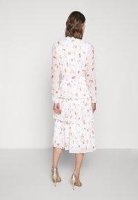 Bruuns Bazaar - BRUSH ENOLA DRESS - Hverdagskjoler - offwhite - 2