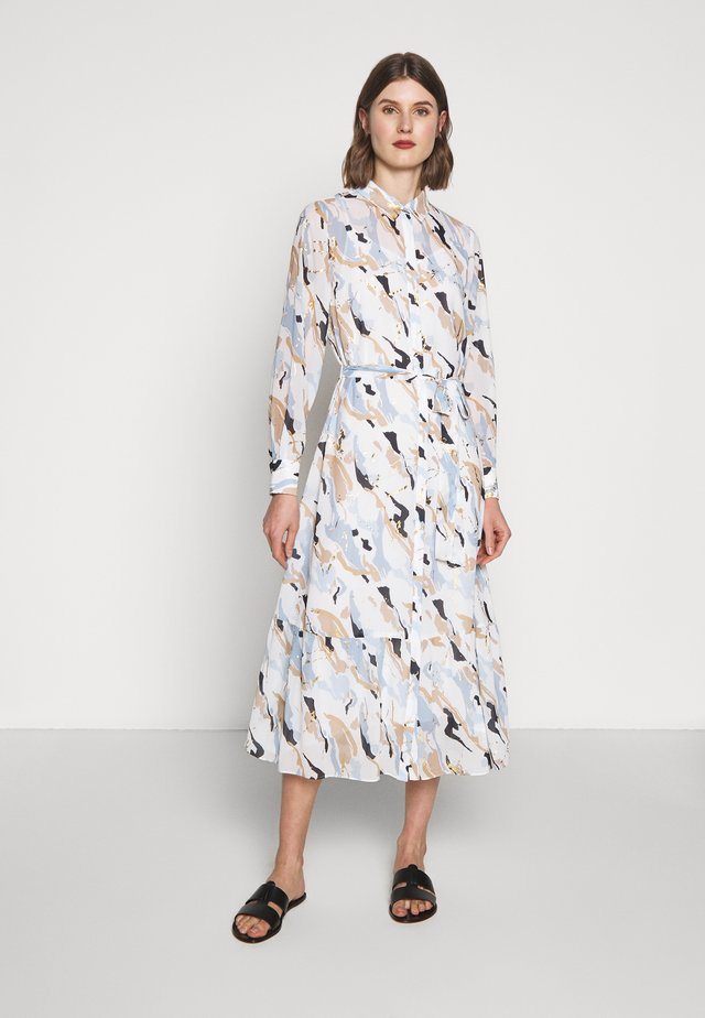 POETICA KORA DRESS - Skjortekjole - white/light blue